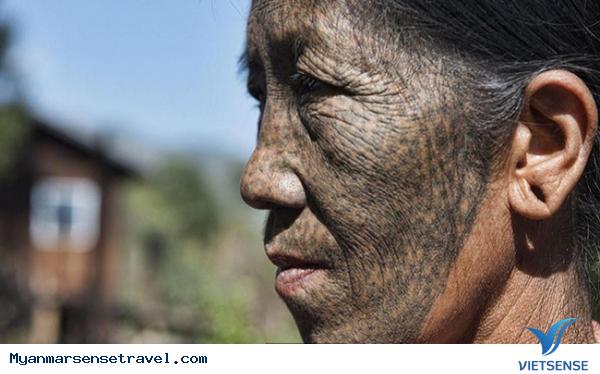 Những phụ nữ mặt hổ chỉ có ở Myanmar - Ảnh 1