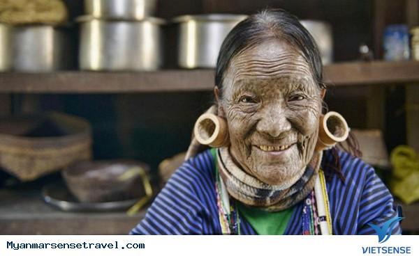 Những phụ nữ mặt hổ chỉ có ở Myanmar - Ảnh 2