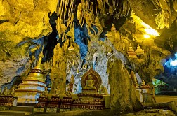 Khám phá hang động Pindaya tại bang Shan