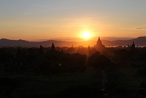 Chiêm ngưỡng cảnh hoàng hôn tuyệt đẹp ở 3 ngôi chùa tại Myanmar