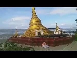 """Chùa dát vàng ở Myanmar bị nước lũ """"nuốt chửng"""""""
