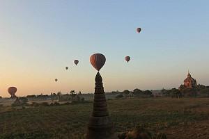 Chùm ảnh Bagan trong ánh bình minh tuyệt đẹp