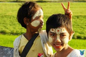NHIỀU PHONG TỤC TẬP QUÁN LẠ CỦA NGƯỜI MYANMAR