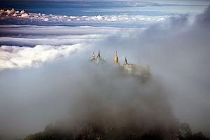 Tận hưởng khung cảnh mở ảo ở núi Popa của Myanmar