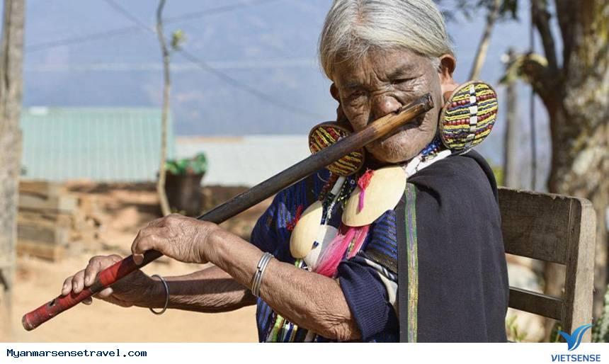 Những phụ nữ mặt hổ chỉ có ở Myanmar