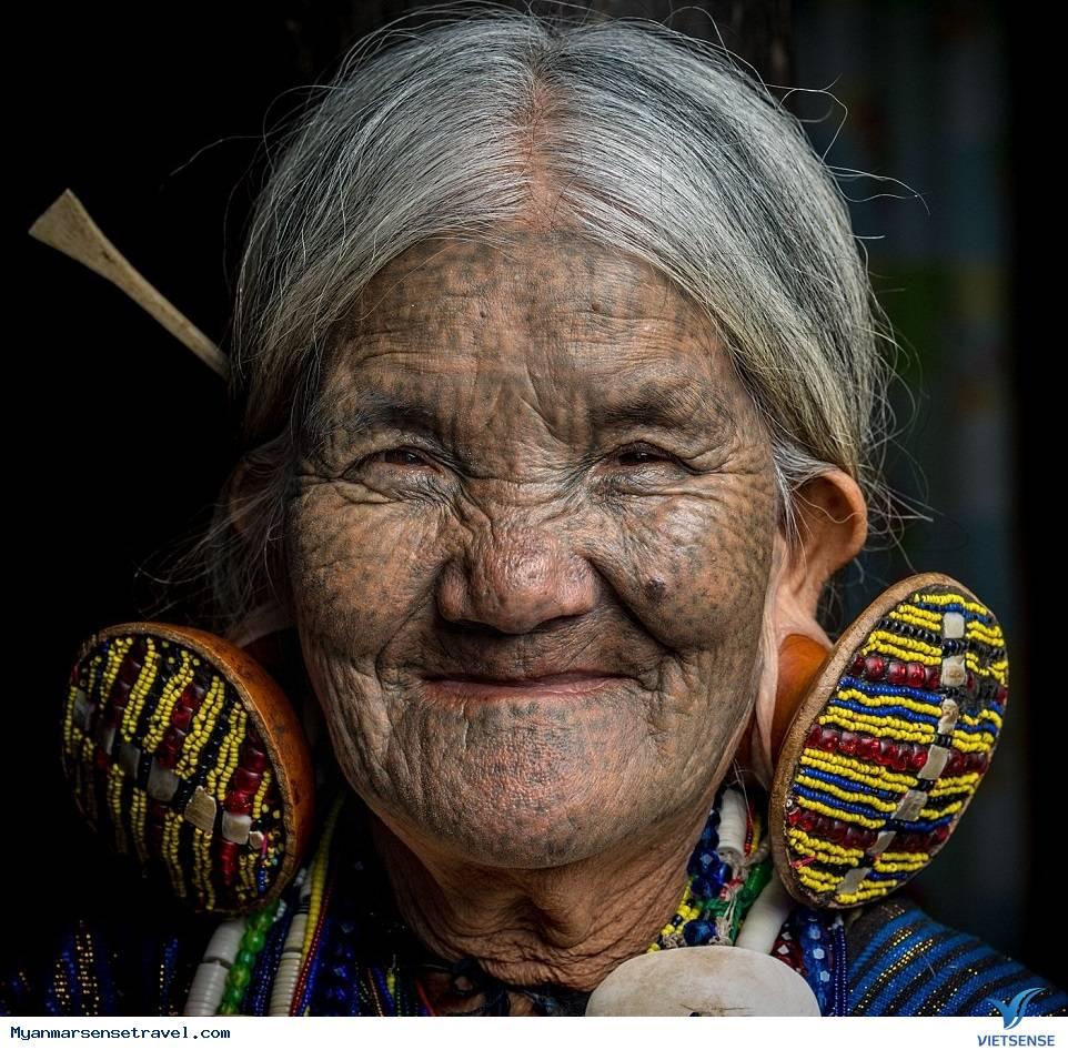Tục Phụ Nữ Xăm Mặt Làm Duyên Độc Đáo Ở Myanmar
